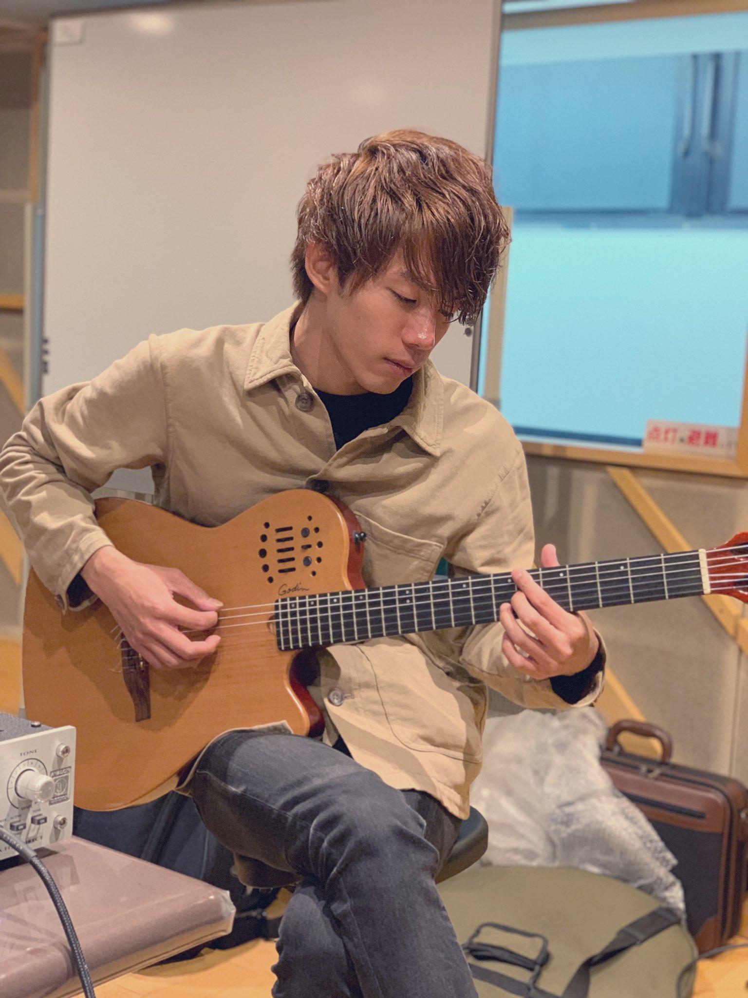 ノーベルブライトのギターの顔