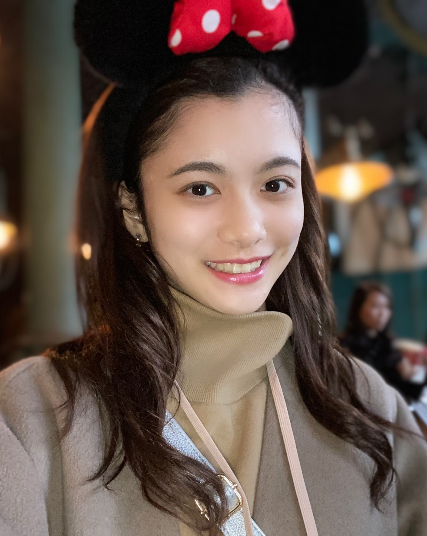 上田彩瑛の顔