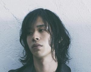 神サイのドラムス黒川亮介の顔画像