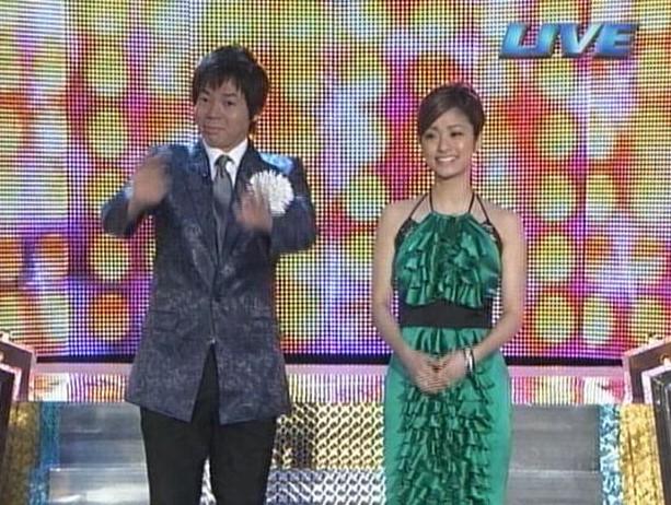 上戸彩のM1歴代衣装・ドレス画像:2008年