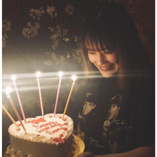 king gnu常田大希とエマ・誕生日ケーキ