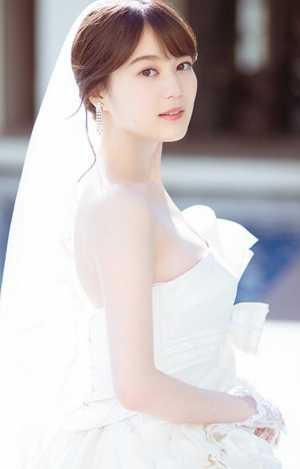 生田絵梨花のドレス