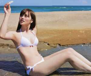 白石麻衣の水着画像