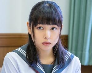 桜井日奈子の制服