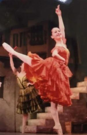後呂有紗アナのバレエ